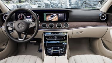 Mercedes E-Class All Terrain - interior