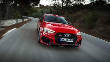 Audi RS 4 - front action