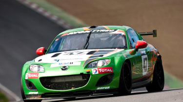 Mazda MX-5 GT4 front action