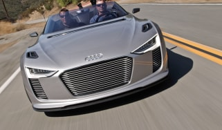 Audi e-tron Spyder front tracking