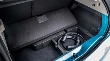 Renault ZOE - boot charging cable