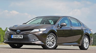 Toyota Camry - front 3/4 static