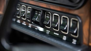 Jaguar XJ6 S1 many switches