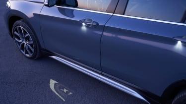 BMW X1 - puddle light