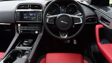 Jaguar F-Pace 2.0d R-Sport - interior