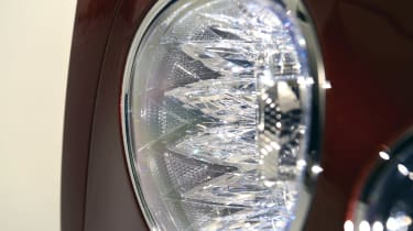 Bentley Flying Spur - studio front light