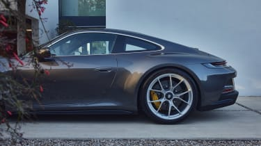 Porsche 911 GT3 Touring - side profile
