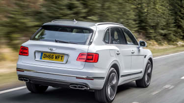 Bentley Bentayga Diesel - Ice white 2017 rear tracking