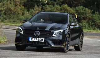 Mercedes-AMG GLA 45 Yellow Night Edition - front