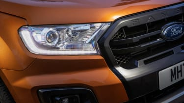 Ford Ranger Wildtrack - front light