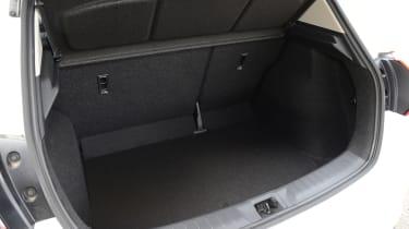 SEAT Leon Cupra R - steering wheel