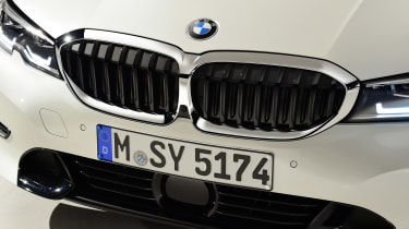 BMW 3 Series - studio grille