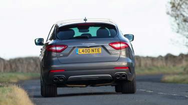 Maserati Levante GranLusso - rear tracking