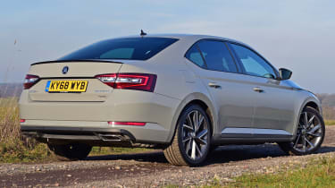 Skoda Superb Sportline - rear static