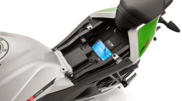 Aprilia RS 125 review - storage