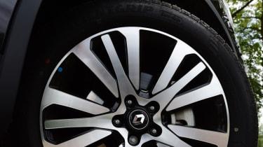 Renault Koleos Initiale Paris alloy wheel