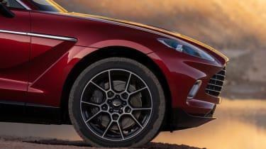 Aston Martin DBX - front wheel