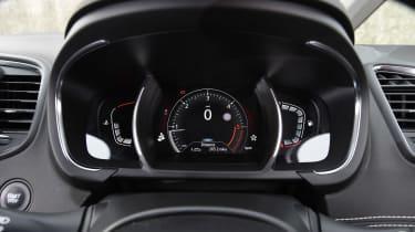 Renault Scenic - dials