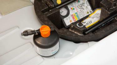 Used Renault ZOE - repair kit