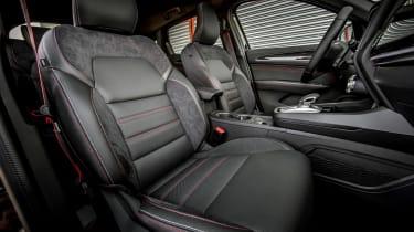 Renault Arkana - front seats