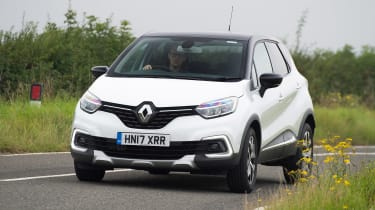 Renault Captur - front action