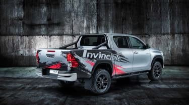 Toyota HiLux Invincible 50 pick-up REAR