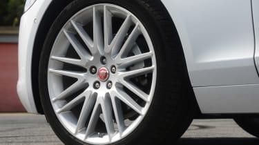 Jaguar XF 25d - wheel