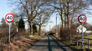 UK speed limits 40mph road