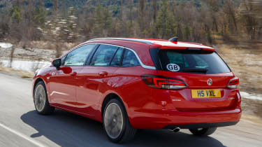 New Vauxhall Astra Sports Tourer - rear tracking