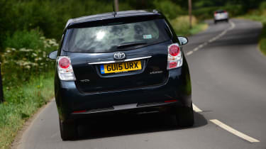 Toyota Verso - rear action