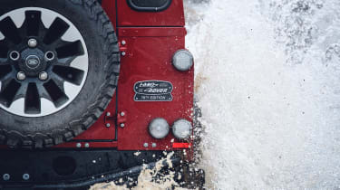 Land Rover Defender Works V8 - splash