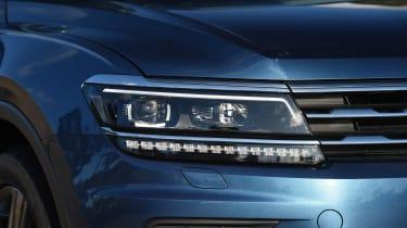 Volkswagen Tiguan Allspace - front light