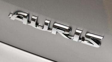 Toyota Auris badge