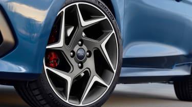 Ford Fiesta ST 2017 - outside wheel