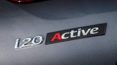 Hyundai i20 Active 2016 - badge