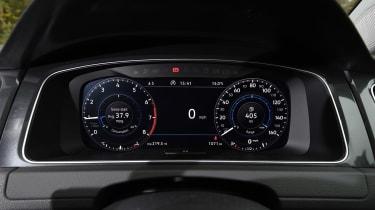 Volkswagen Golf - dials