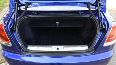 Convertible megatest - Rolls-Royce Dawn - boot
