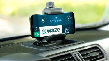 Fiat Panda Waze screen