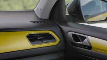 Volkswagen T-Roc teaser video interior