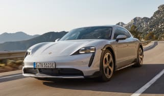 Porsche Taycan Cross Turismo - front