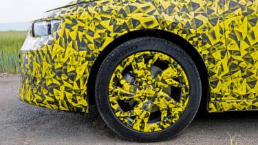Vauxhall Astra prototype - wheel