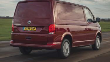 Volkswagen Transporter 6.1 - rear tracking