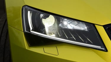Skoda Superb Sportline - front light detail