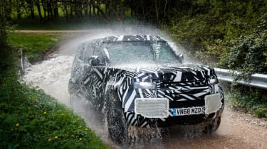 Land Rover Defender - water