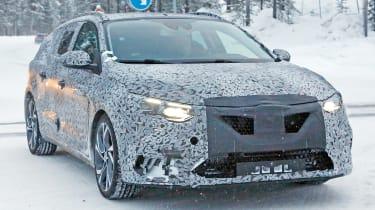 Renault Megane estate - front testing