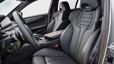 BMW M5 Competition - front seats