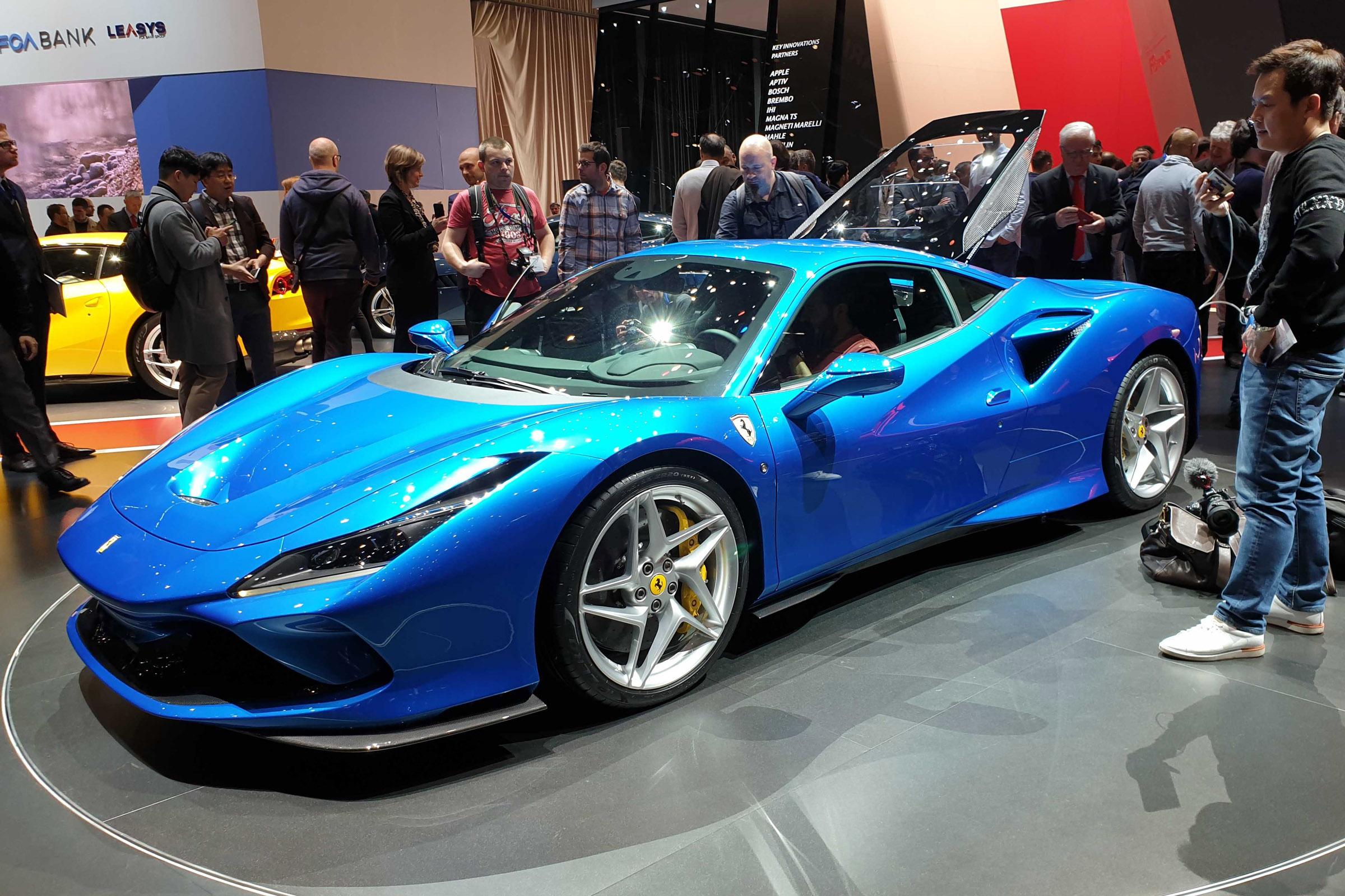 New Ferrari F8 Tributo Performance Specs And Video Auto Express