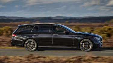 Mercedes-AMG E 53 Estate - side action