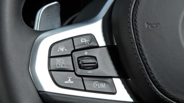 BMW 5 Series Touring - steering wheel controls
