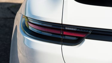 Porsche Panamera 4 E-Hybrid - rear light